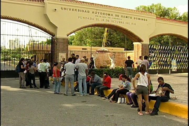 Jóvenes de El Seibo que estudian en la UASD podrían perder el semestre.