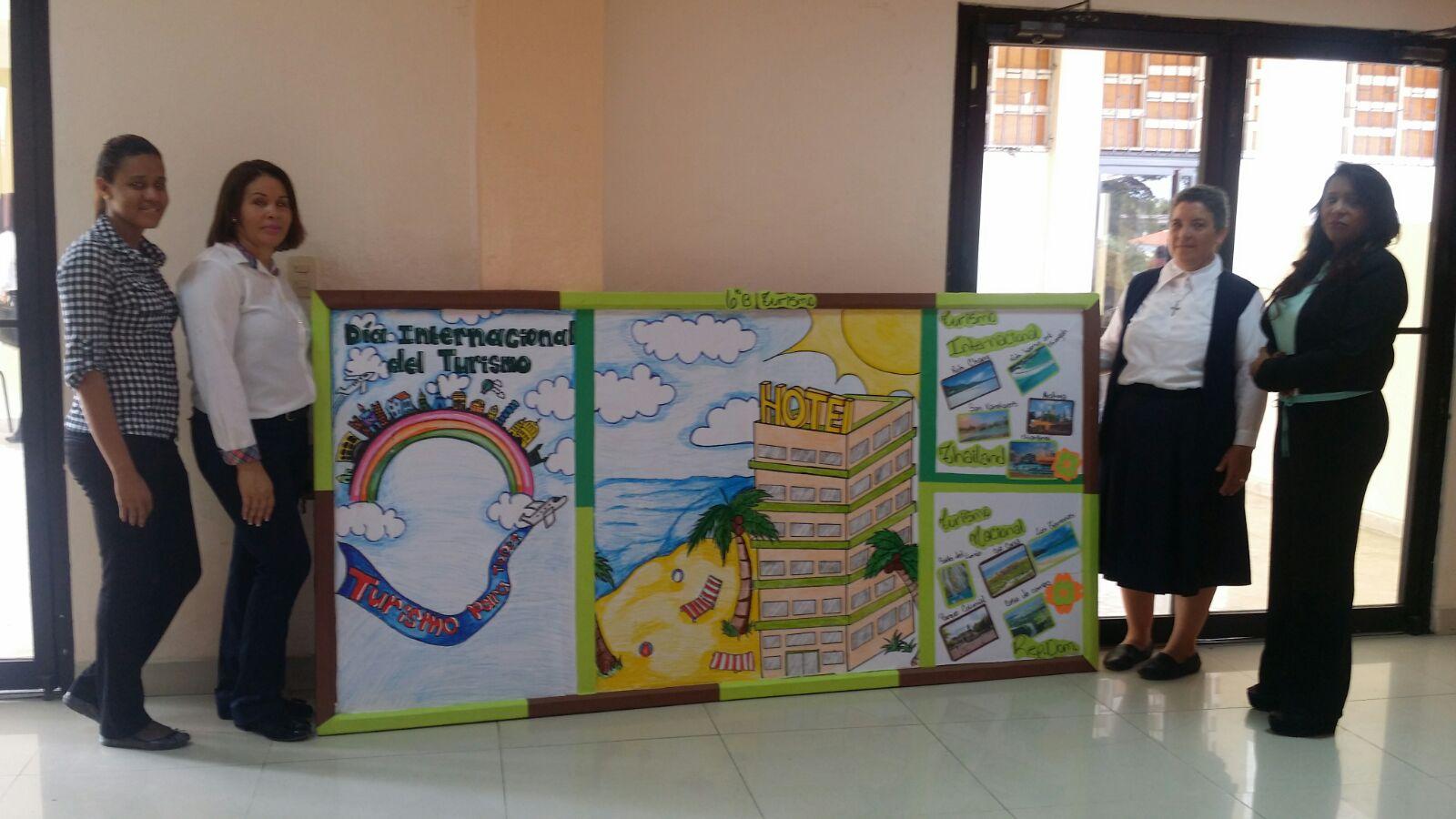 Estudiantes del Politécnico  Santa Cruz Fe & Alegría celebran el Internacional del Turismo.