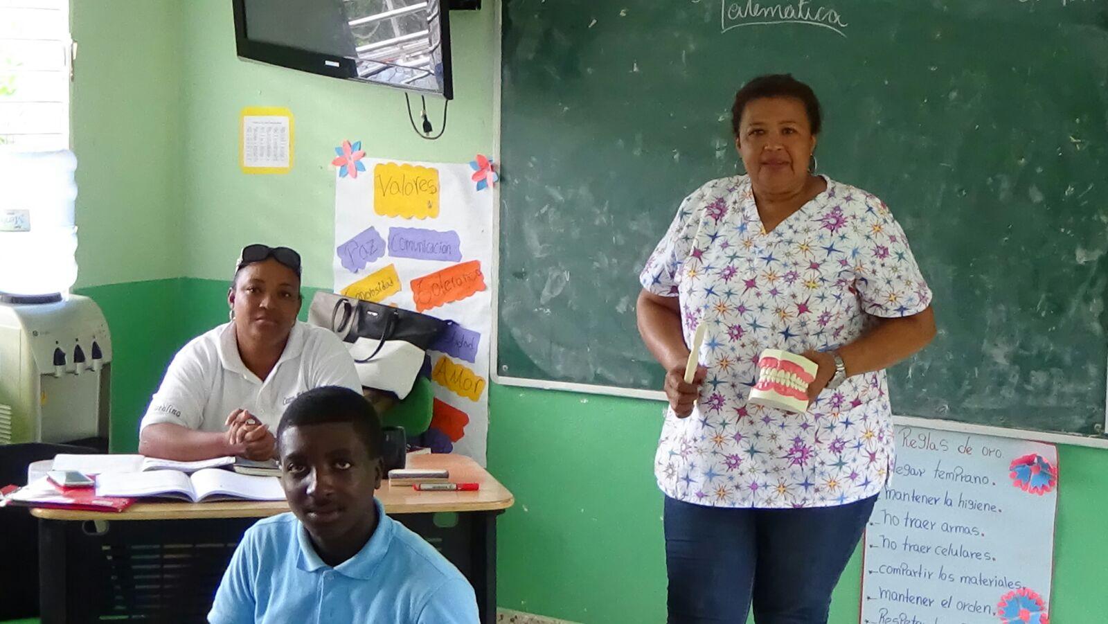 Realizan charlas de higiene bucal en escuela de El Seibo.