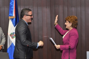 Cámara de Diputados juramenta a Jean Luis Rodríguez.