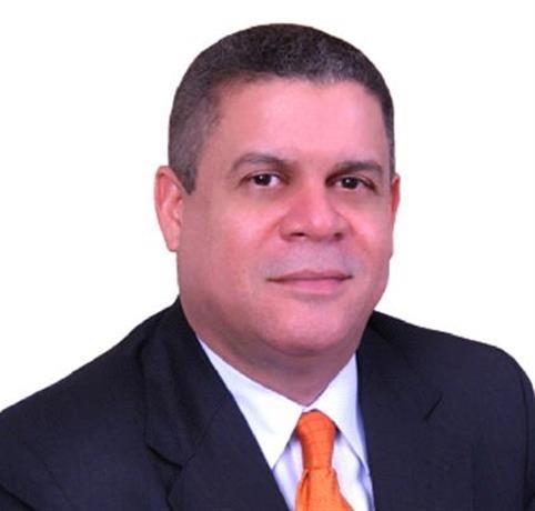 Roberto Rodríguez dice firmó contrato de Inapa con Odebrecht para construcción de acueducto