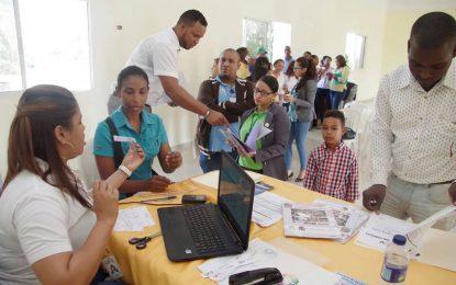 Ministerio de la Juventud ofrece nuevas becas universitarias.