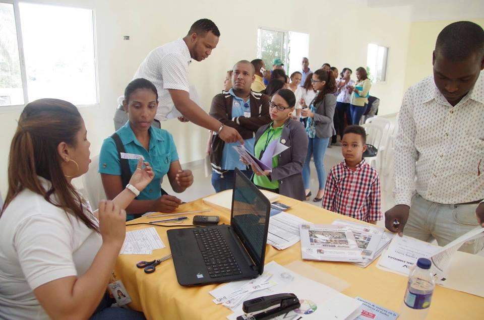 36 estudiantes seibanos aplican para  maestrías becadas por el Ministerio de la Juventud.
