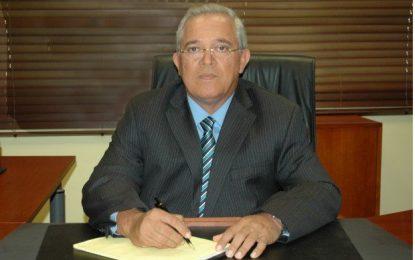 Destituyen a José Domínguez del CEA
