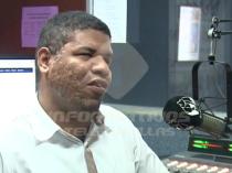 """Locutor dominicano no vidente: """"no tienes porque pedir, lo que hay es que estudiar"""""""