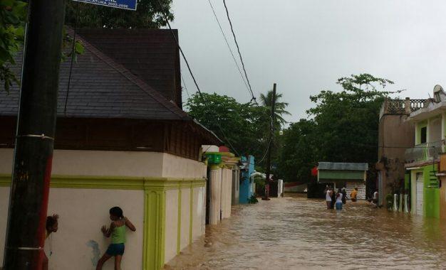 Lluvias causan inundaciones en miches