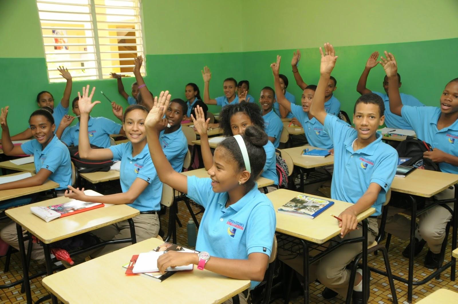 Firman acuerdo para capacitar 20 mil maestros de excelencia.