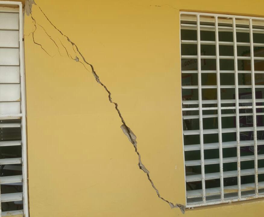 Escuelas agrietadas tras temblor en El Seibo