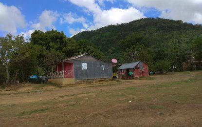 Familias de la comunidad Altos de Peguero en El Seibo bajo amenaza de desalojo