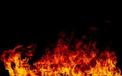 Mujer sufre quemaduras durante incendio en batey Agua Blanca