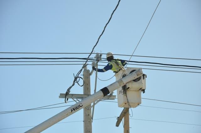 Falla en el sistema eléctrico provoca apagones en provincias del Este