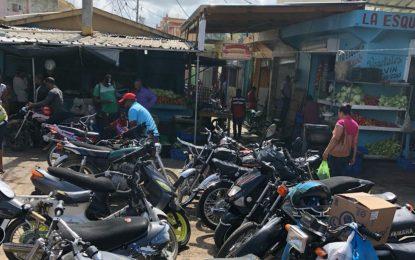 Las autoridades evalúan la situación del Mercado Municipal