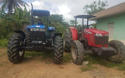 Llegan tractores a Agricultura