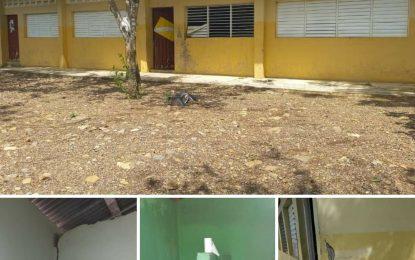 Denuncian el mal estado de la escuela Isabelita de El Seibo