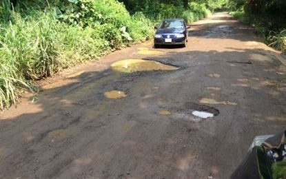El Cuey pide auxilio por el mal estado de sus caminos