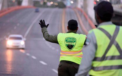 Denuncian atropellos cometidos por agentes de la DIGESETT en El Seibo